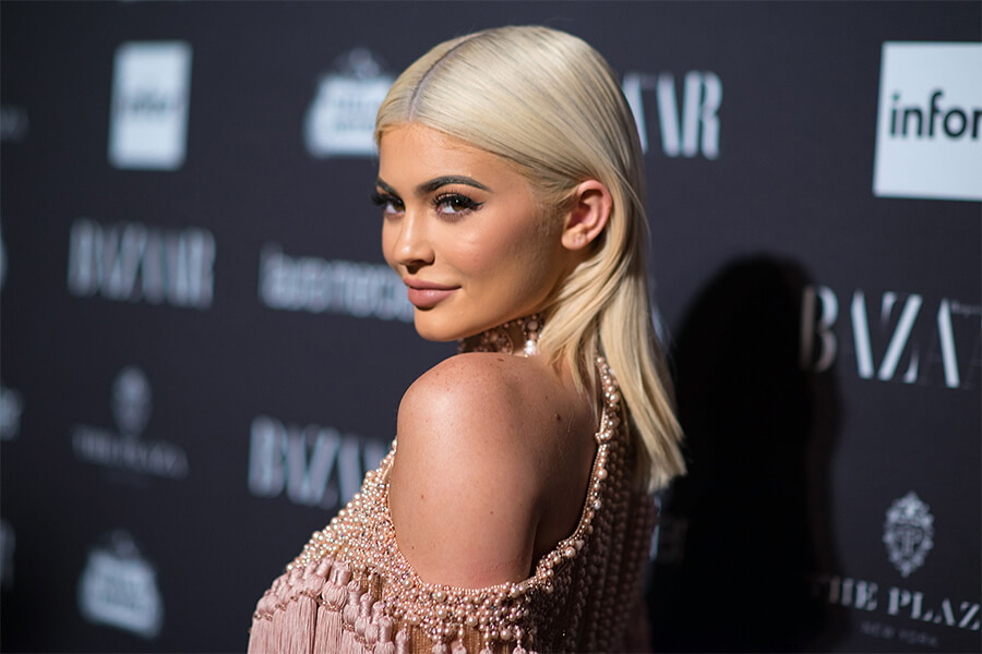 Kylie Jenner Stormi 2.jpg