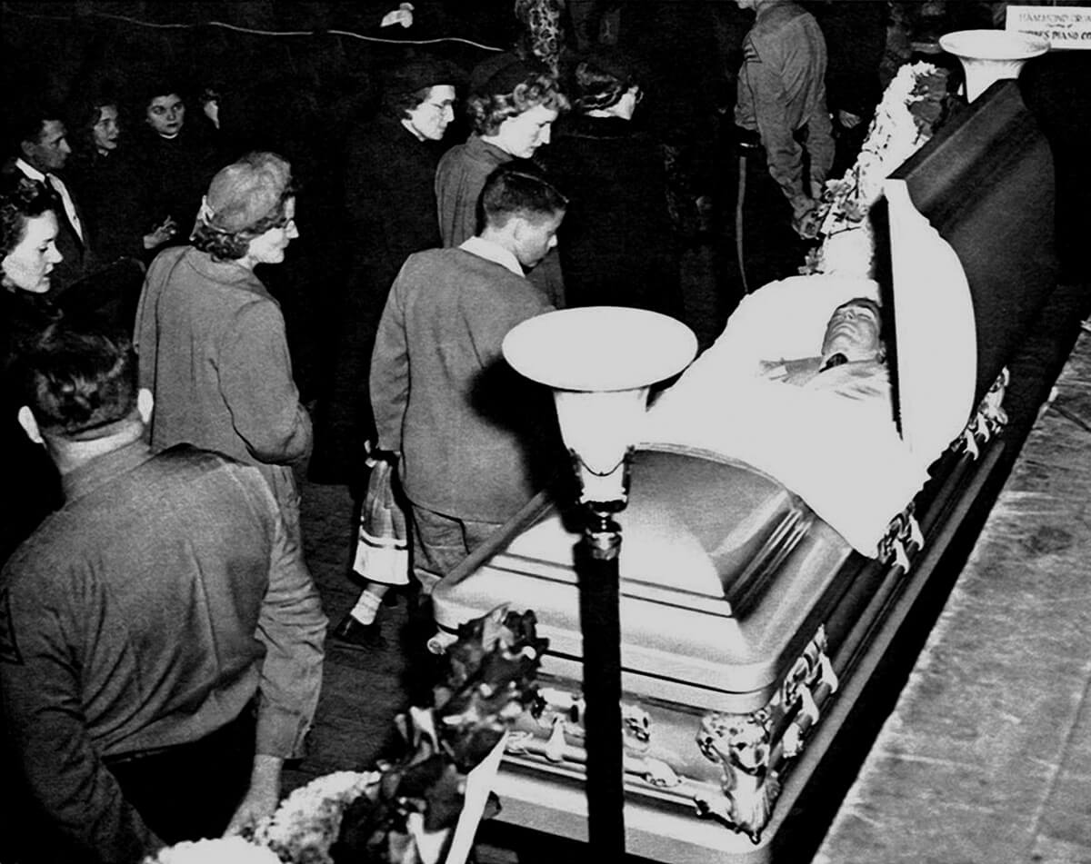 hank-williams-casket.jpg