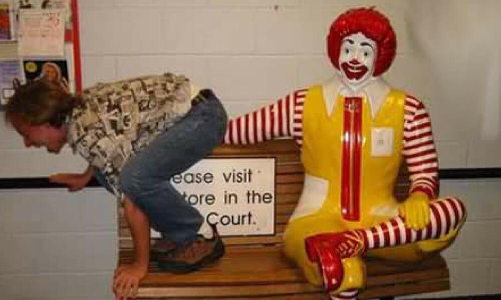 mcdonalds 15 ronald statue.jpg