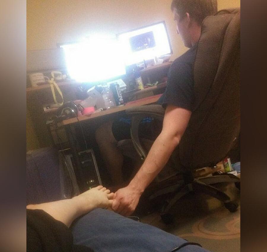 toe cuddling.jpg